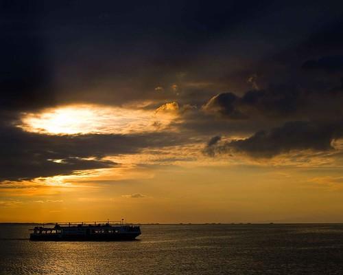 sunset sea sky sun boat george mateo manilabay gregorio thehousekeeper georgemateo gregoriomateo gcmateo