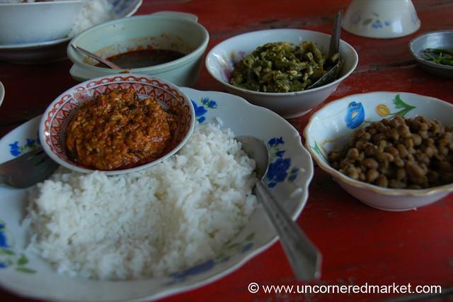 Burmese Food, Vegetarian Curries - Mandalay, Burma