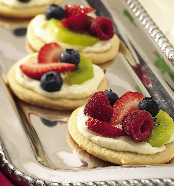 Recipe: Mini Fruit Pizzas | Flickr - Photo Sharing!