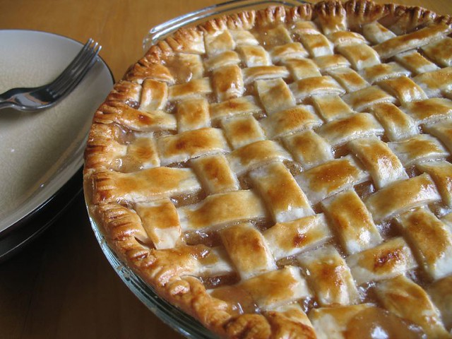 lattice top apple pie with a lattice top i made lots of crisps and ...