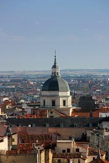 Εικόνα από Colegiata de San Isidro. madrid españa canon real san basilica roofs dome isidro tejados tomás spainmadrid fano techos azoteas colegiata