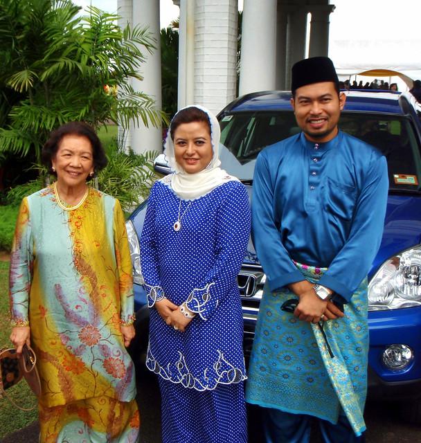 the malay royals hrh tunku shahariah and hrh raja zarith