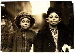 Lewis Hine: Joseph, 10, and Rosy, 8, newsies, Newark, New Jersey, 1909