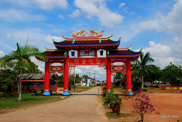 senggarang temple tanjung pinang riau islands
