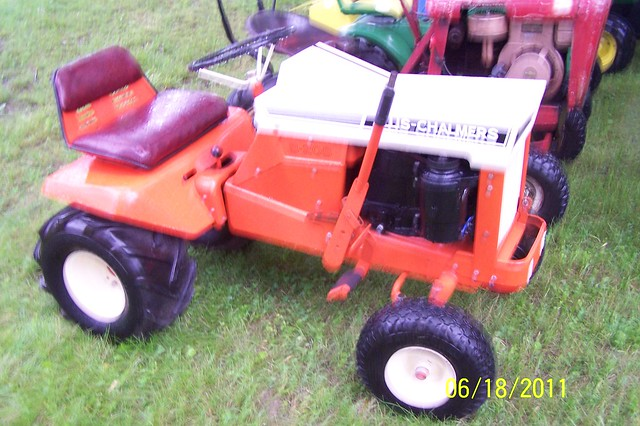 Allis Chalmers Lawn Tractors