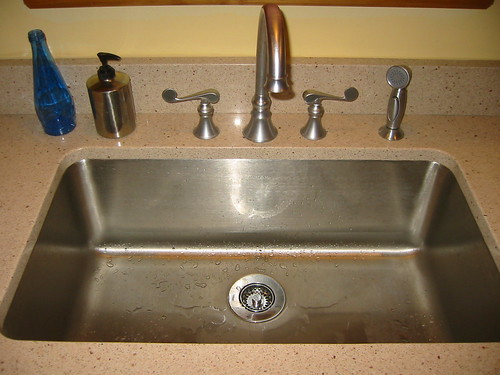 Kitchen sink and faucet recommendations please for Kitchen faucet recommendations