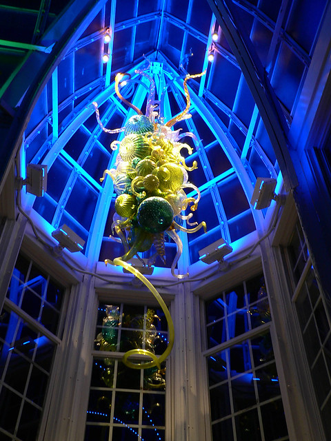 Dale Chihuly Glass Chandelier Installation At The Franklin Park Conservatory Flickr Photo