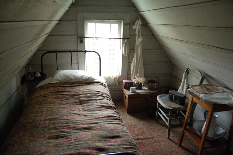 誰もが想像しそうな屋根裏部屋 : あなたなら何部屋にする?隠れ家のような屋根裏部屋の画像集めてみました!(*´ω ...