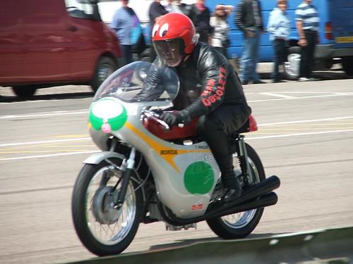 1000 vintage motorcycles at Mallory Pk