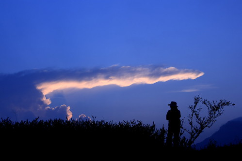 trip travel shadow sky cloud sunrise taiwan journey lonely 台灣 雲 hualien 天空 花蓮 影 日出 六十石山 canonef24105mmf4lisusm