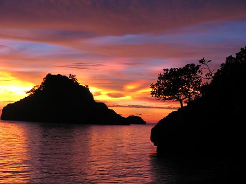 danjugan sunset1.jpg by scubaschnauzer