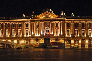 Capitole de Toulouse トゥールーズ 近く の画像. france toulouse capitole photodenuit dalbera mairiedetoulouse