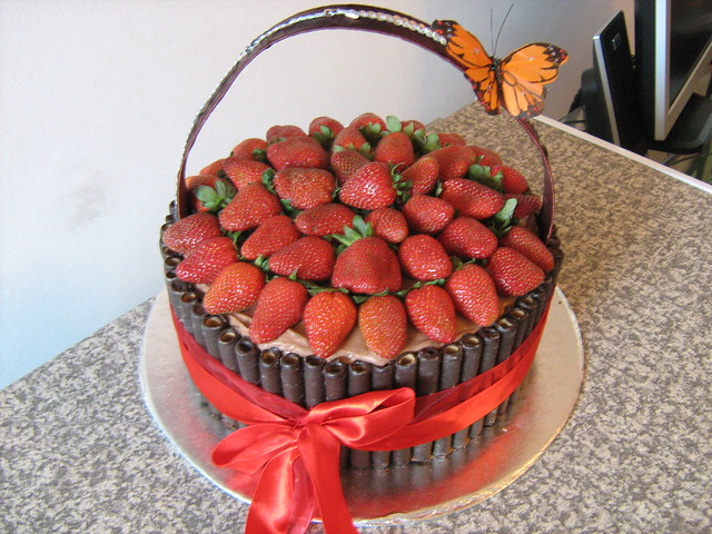 strawberry basket cake | Flickr - Photo Sharing!