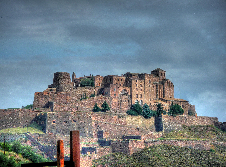 Resultado de imagen de la mina de sal de cardona i el castell