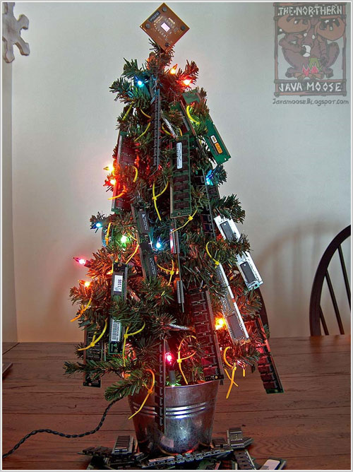 Inventive christmas decorations for computer geeks