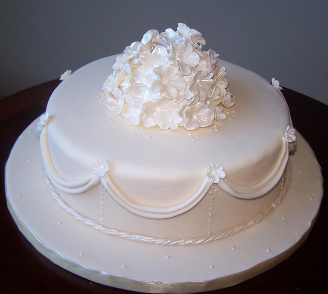 Single Tier Ivory Wedding Cake