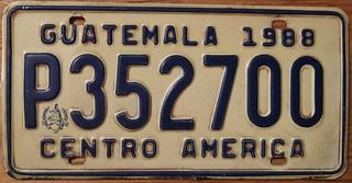 GUATEMALA 1988 PRIVATE PASSENGER plate