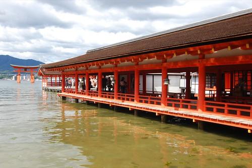 Itsukushima jinjya 35d 西回廊.JPG