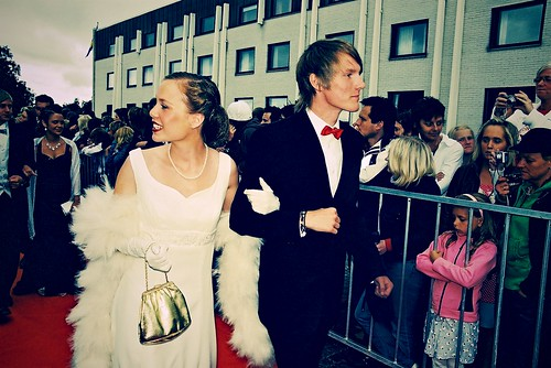 red catchycolors carpet couple king handsome queen prom