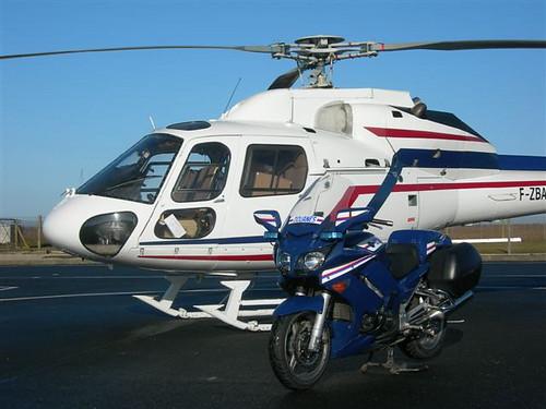 YAMAHA FJR 1300 - DOUANES avec hélicoptère