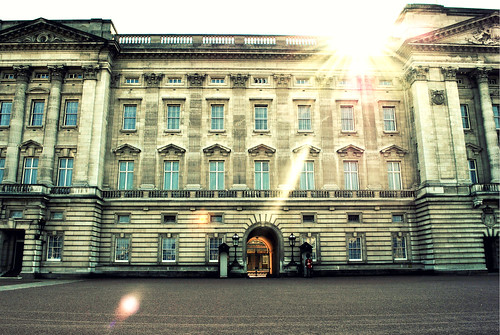 Buckingham Palace & the sun