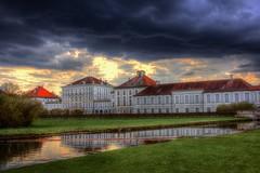Es ziehen dunkle Wolken über dem Hause Wittelsbach auf!  (München, Nymphenburger Park, Schloss)  ---  There are dark clouds over the house of Wittelsbach! - (Munich, Nymphenburg Park, Castle)