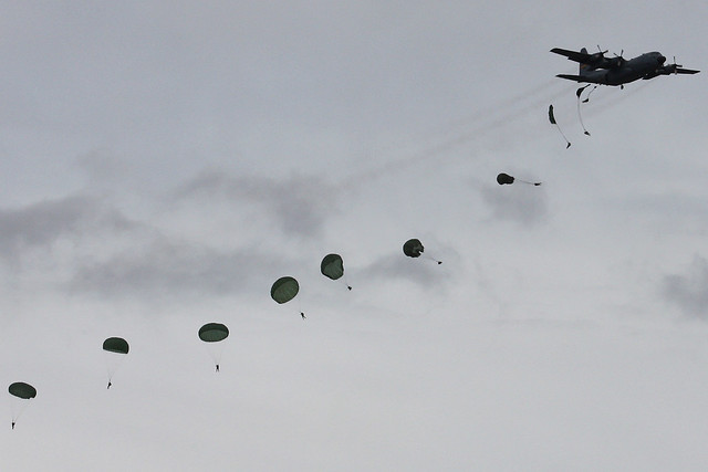 Paratroopers Arctic Thunder