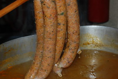 frankfurter wã¼rstchen(0.0), produce(0.0), weisswurst(0.0), sausage(1.0), vienna sausage(1.0), boudin(1.0), food(1.0), dish(1.0), cuisine(1.0), kielbasa(1.0), cooking(1.0), bratwurst(1.0),