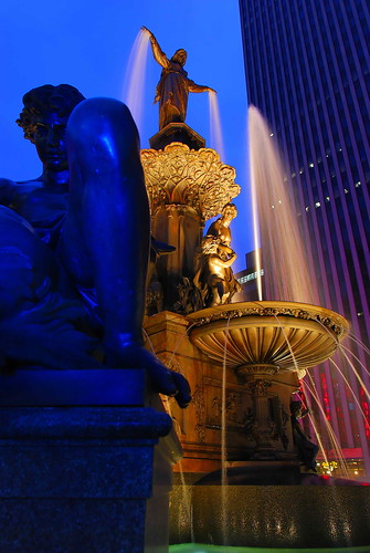 morning blue usa fountain night square nikon long exposure downtown shot cincinnati tyler hour oh davidson soe froman d80 abigfave colorphotoaward digitalartistry