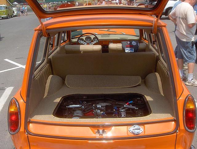 squareback interior with engine - 154.2KB