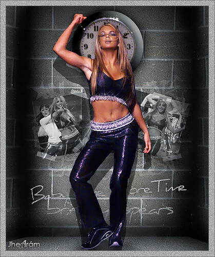 Britney Spears - ...Baby One More Time (Live at VMA 1999)