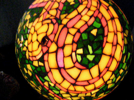 Ophidia lamp lit