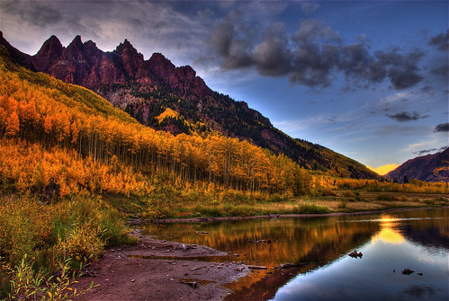 autumn trees sunset sky lake color reflection fall water clouds colorado searchthebest dusk foliage explore aspen alpenglow maroonbells maroonlake sieversmountain 200809