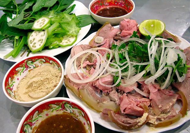 Bê Thui - Thưởng thức ẩm thực Quảng Nam giữa lòng Sài Gòn!