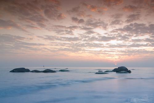 ocean sea sky sun beach clouds sunrise thailand nikon rocks huahin d80 tokinaatx124afprodx1224mmf4 prachuabkhirikhan huahindec08