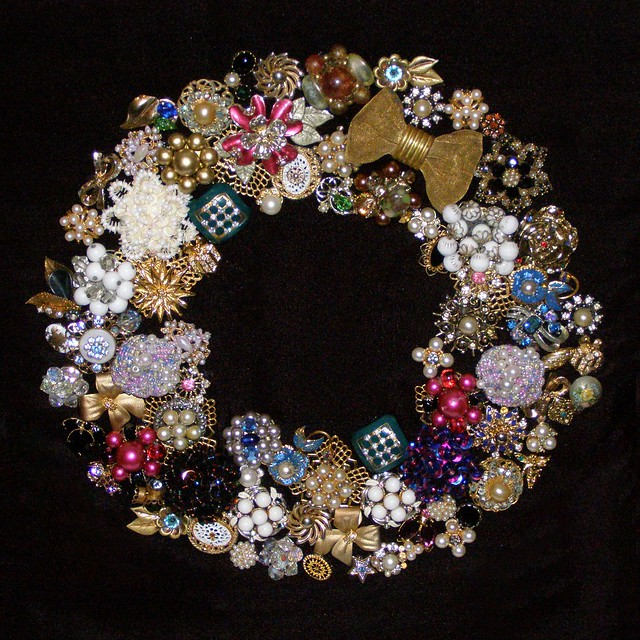 Making Wreaths With Jewelry