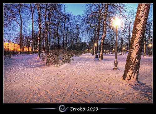 park city morning brussels snow cold photoshop canon rebel lights frost belgium belgique tripod belgië bruxelles sigma tips remote 1020mm erlend brussel hdr cs3 3xp photomatix warandepark tonemapped tonemapping xti 400d erroba robaye erlendrobaye vosplusbellesphotos