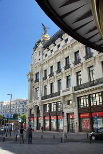 Εικόνα από Edificio Metrópolis κοντά σε City Center. madrid españa canon spain edificio granvía tomás fano metrópolisbuilding