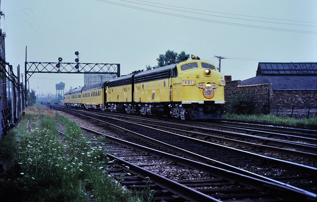 CNW North line Clybourn Chicago River 1982 ,