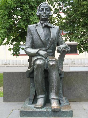 Elias Lönnrot: una estatua