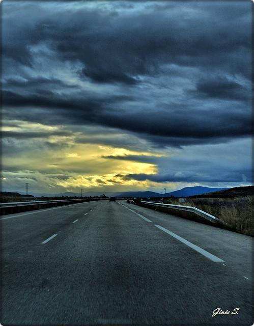 a este lado de la carretera:
