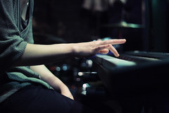 [Free Images] People, Body Parts - Hands, Musical Instruments, Piano, Music ID:201303250000