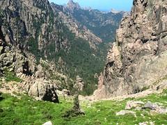 Bocca di Fumicosa Sud : même vue par beau temps avec le ravin de Frassiccia (07/2008)
