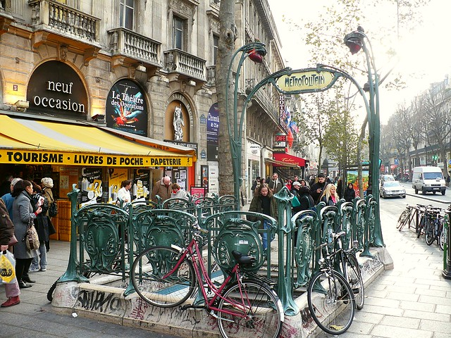 Art nouveau metro sign a gallery on flickr - Metro saint michel paris ...