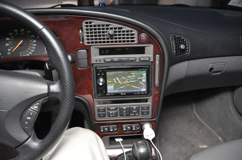For Sale  Pioneer Avic F90bt Touchscreen Stereo With Gps