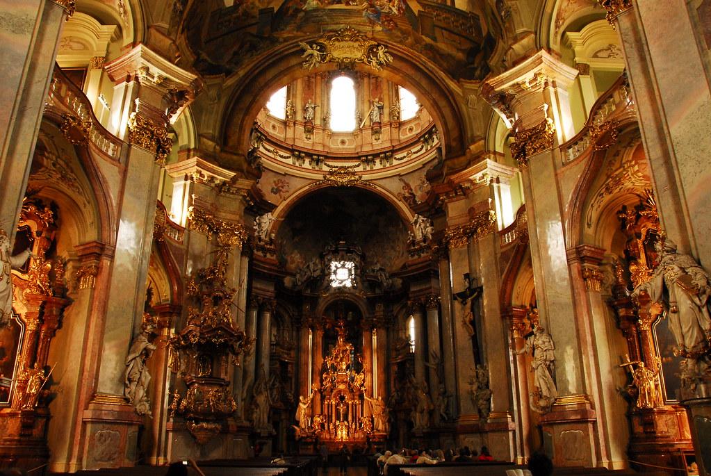 inside st. nicholaus church