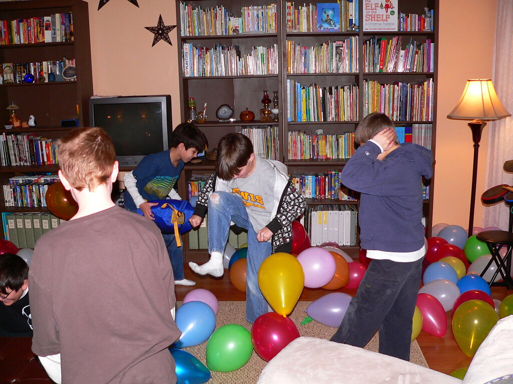 How to Celebrate a Teenager's Birthday Party