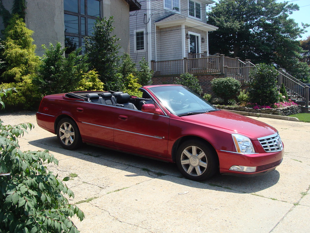2006 dts convertible with 3 945 miles. Black Bedroom Furniture Sets. Home Design Ideas