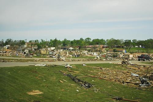destruction debris iowa ia tornado parkersburg ef5 25may2008