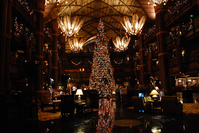Animal Kingdom Lodge - Lobby and Christmas Tree